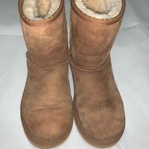 chestnut ugg boots, barely worn!